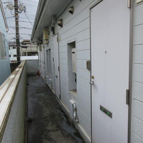 2階建てアパート,階段・廊下/床塗装